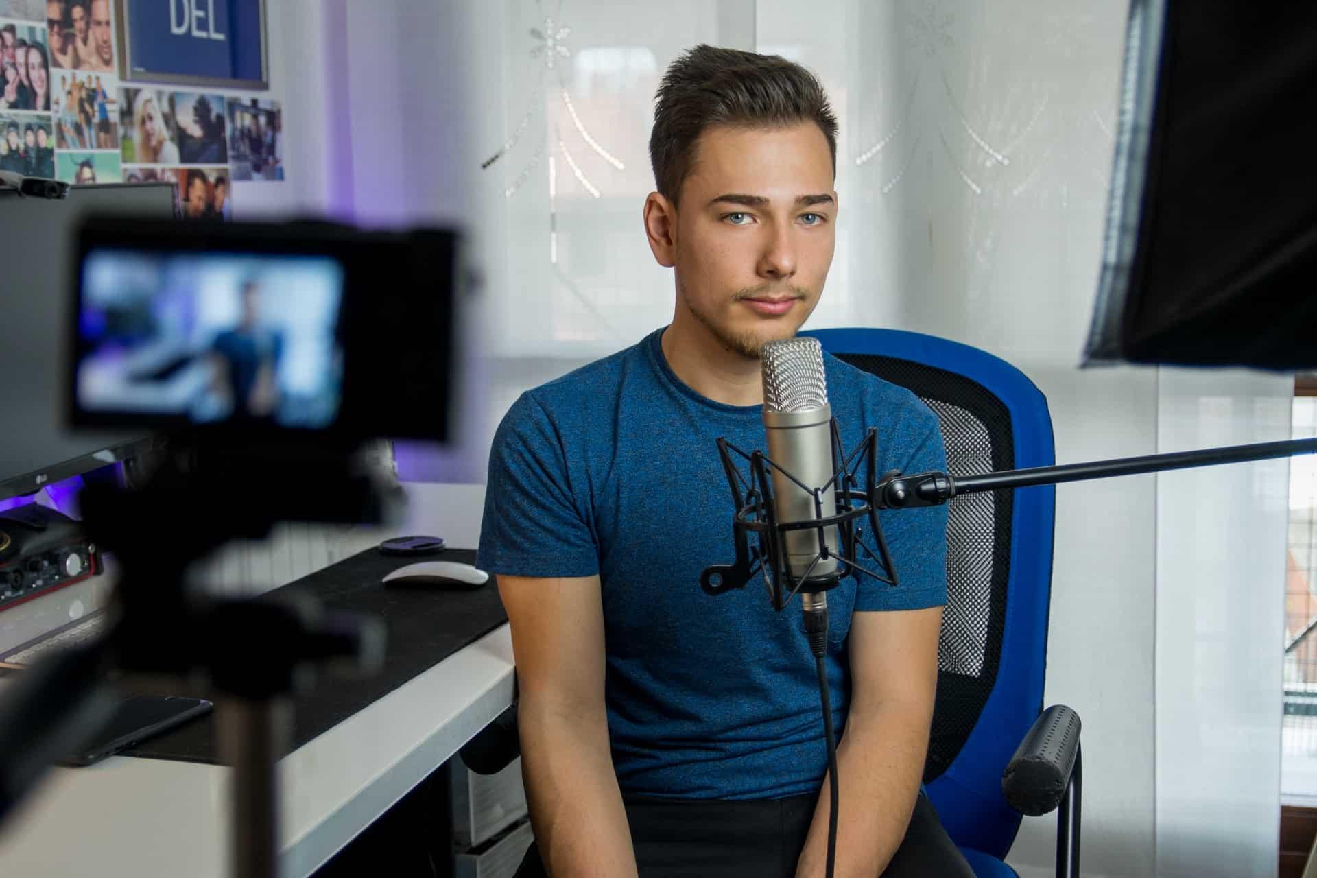 Qué es mejor para tu negocio, ¿el vídeo o el podcast?